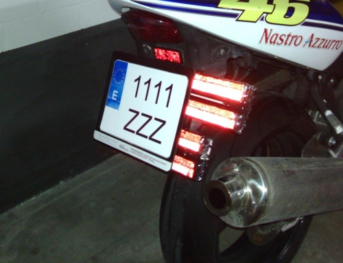 Portamatrículas patentado para motocicletas